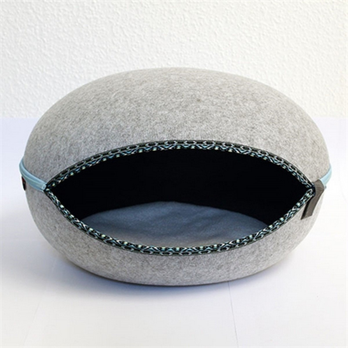 Image of CanadianCat Company Cat Basket Cocon Grey 52X45X33cm